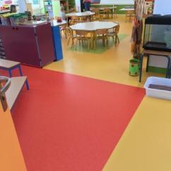 Salle de classe prête à accueillir ses élèves